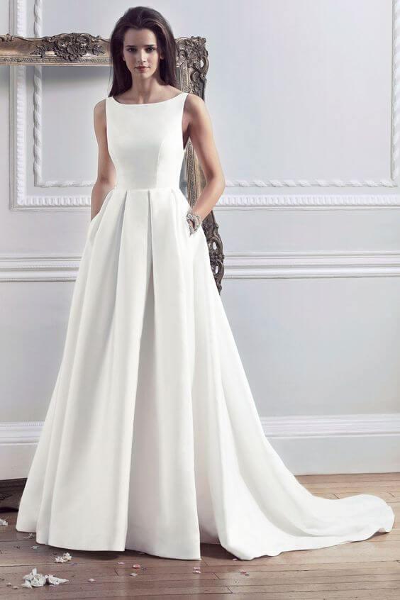 https://www.oliverjoias.com.br/wp-content/uploads/2018/10/tendências-de-vestido-de-noiva-para-2019-3.jpg